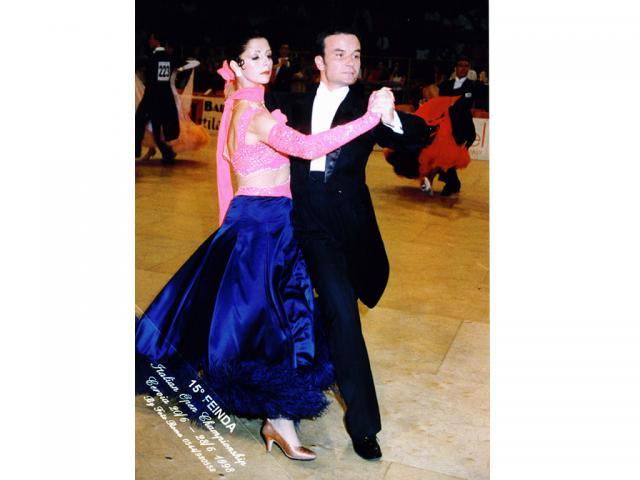 Móczó János tánc közben2