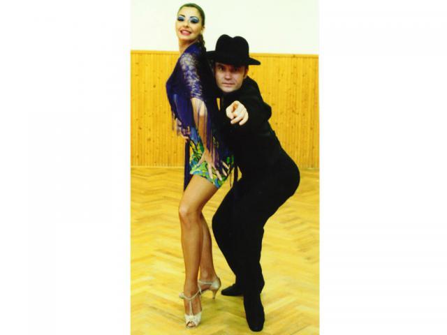 Móczó János tánc közben7